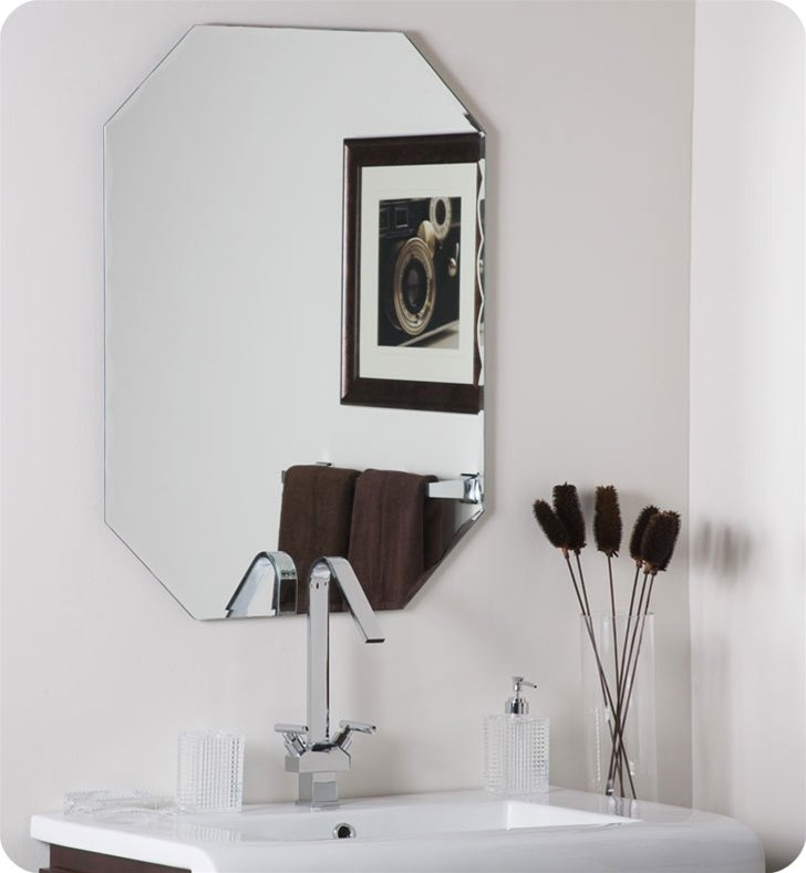 Decor Wonderland SSM3003 Frameless Octagon Scallop Beveled Mirror